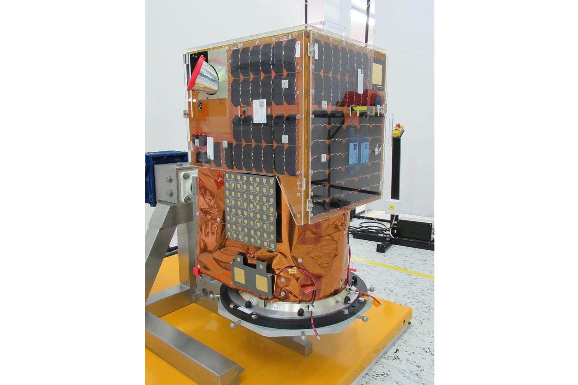 Los satélites se ensamblan en Montevideo
