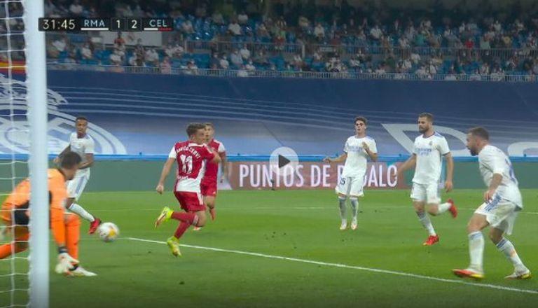 El taco de Franco Cervi, el lujo en medio de la goleada de Real Madrid ante Celta 5-2