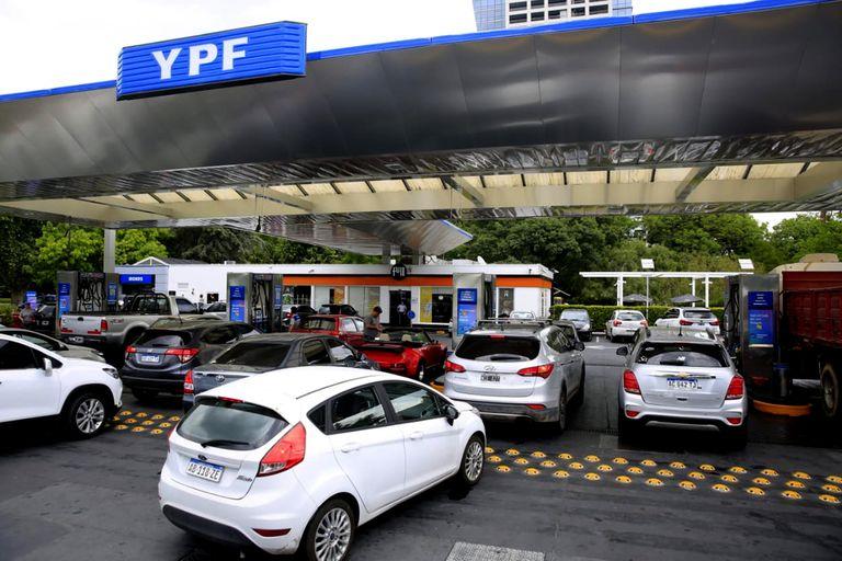 Por orden de Alberto Fernández, YPF anuló un aumento que acababa de anunciar