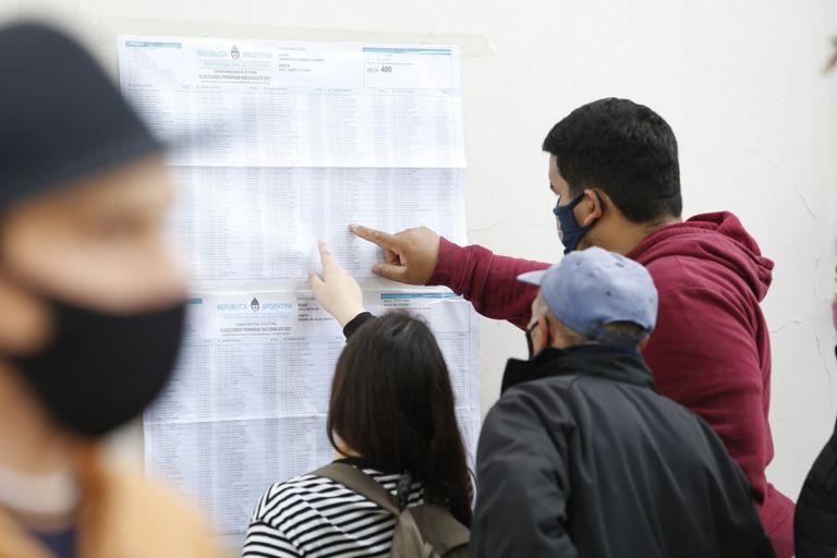 La Cámara Nacional Electoral recomienda mirar los datos del padrón nacional antes de asistir al centro de votación.