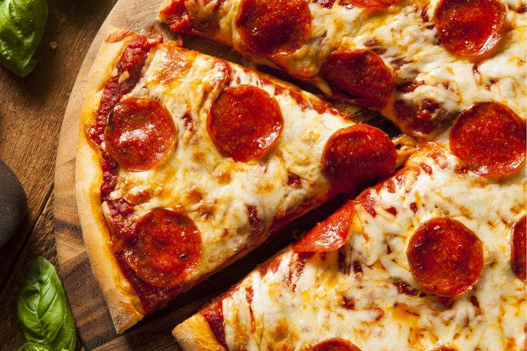 Pizza con masa de semolín