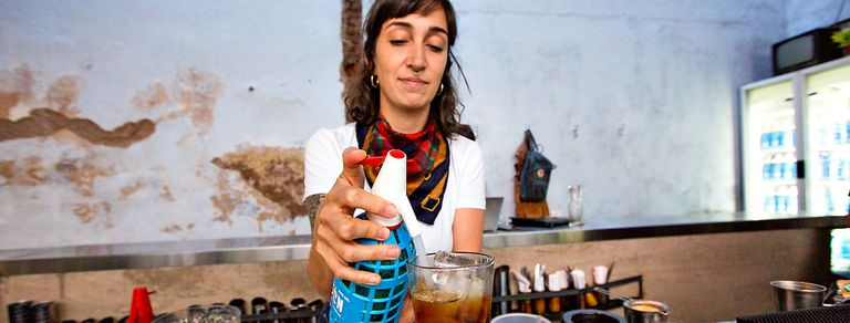 Sifón, el bar de Chacarita que busca devolverle el protagonismo a la soda