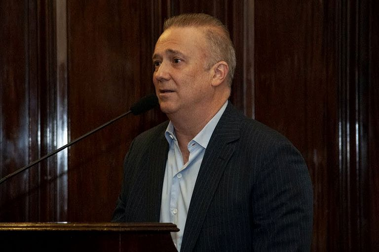 """Para el constitucionalista Andrés Gil Domínguez, la intervención dispuesta es """"constitucionalmente discutible"""""""