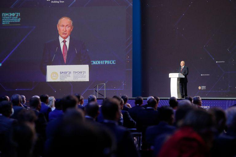 El presidente Vladimir Putin dijo que ordenó a las autoridades rusas que preparen el terreno para que los ciudadanos extranjeros puedan vacunarse contra el Covid-19 en Rusia pagando una tasa