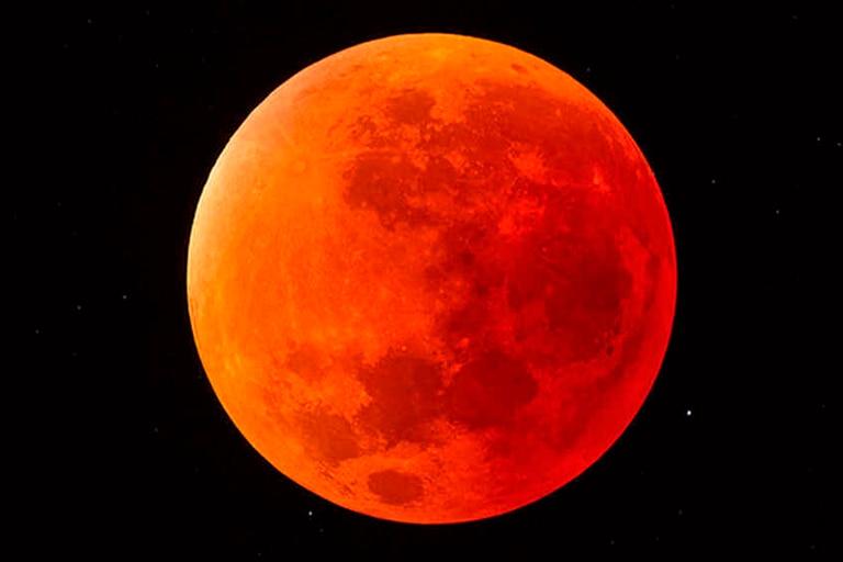A fines de este mes, desde distintos países se podrá ver una Luna de color rojo y una llena en todo su esplendor