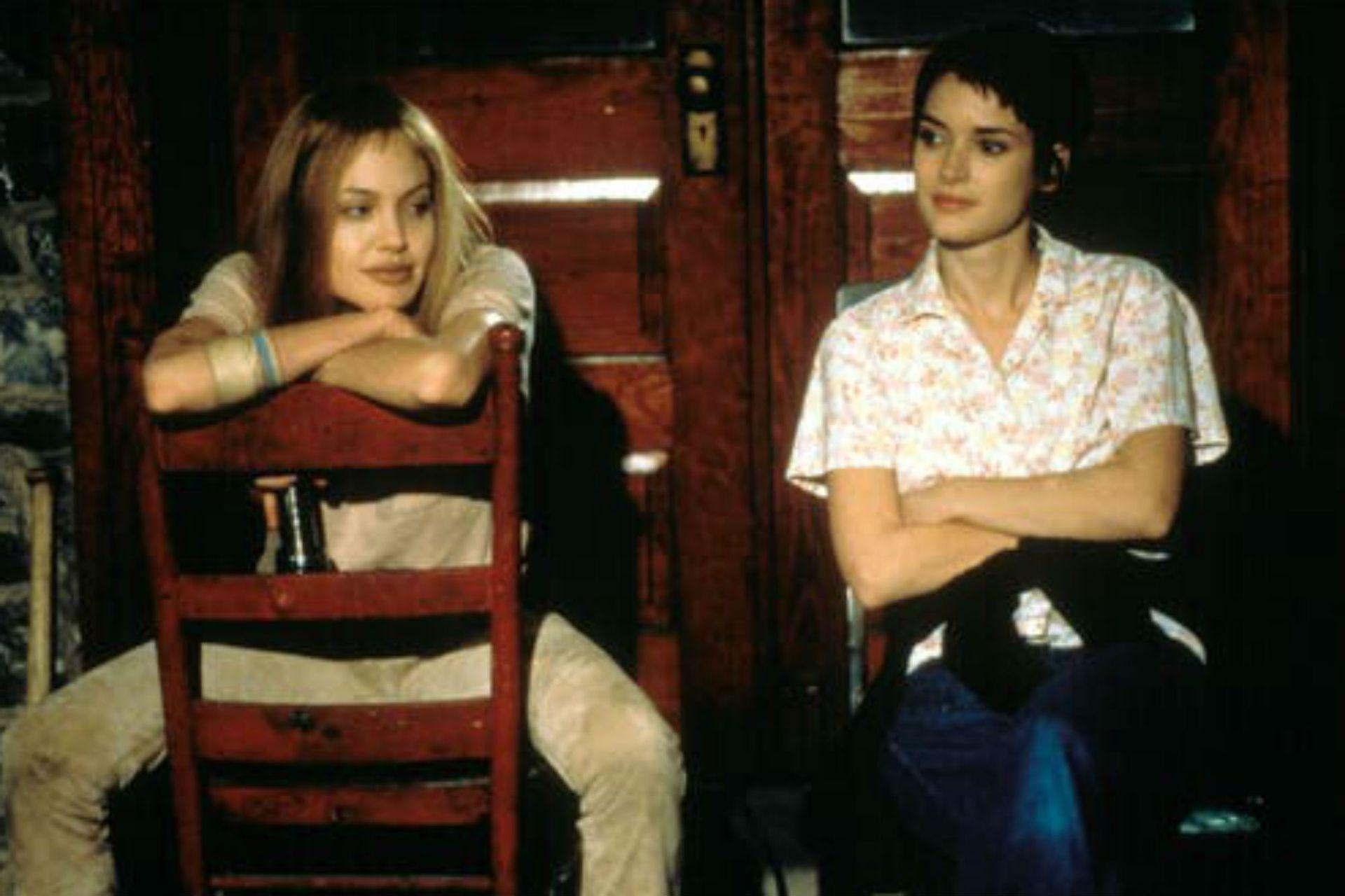 Si bien Winona quiso tener una amistad con Jolie, Angelina nunca se salió del personaje y generó una distancia