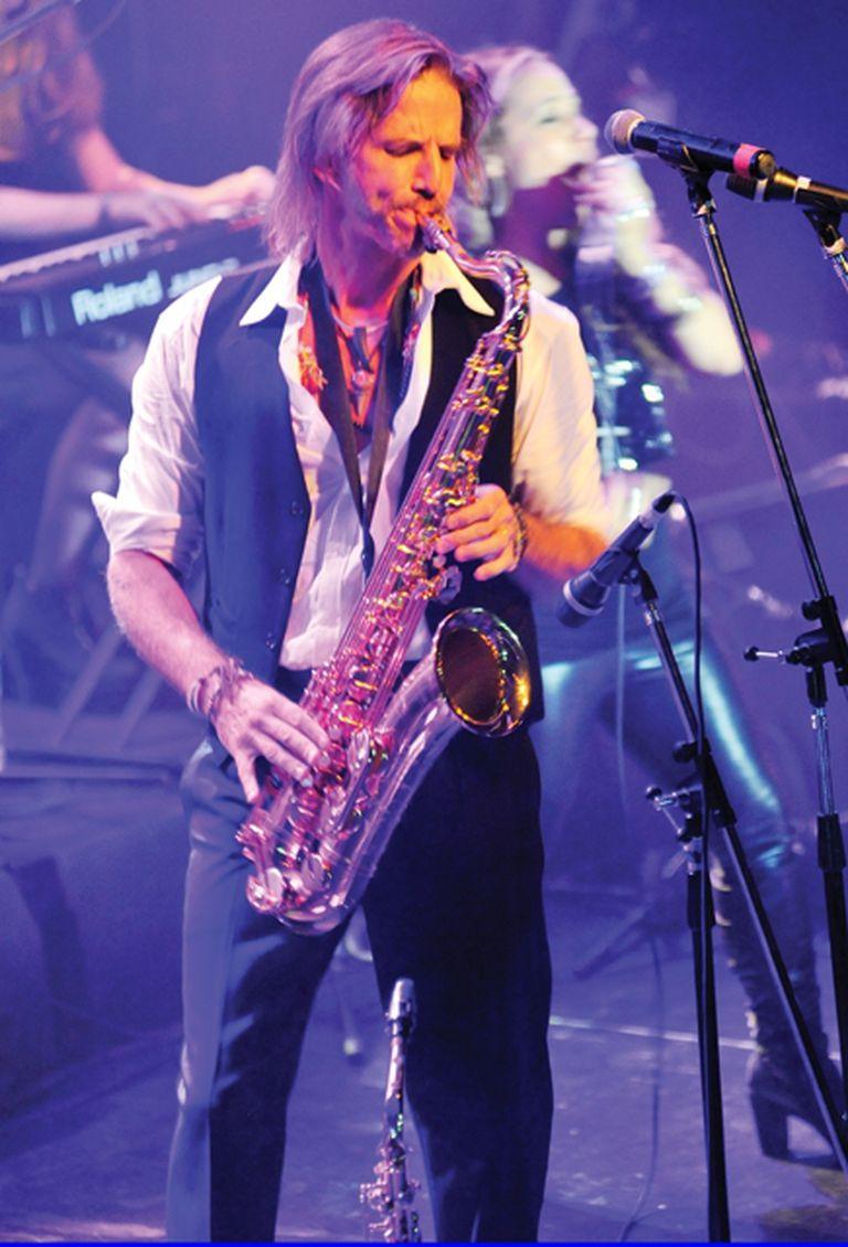 El actor interpretó clásicos de Lou Reed, Eric Clapton, John Lennon y Tina Turner, entre otros