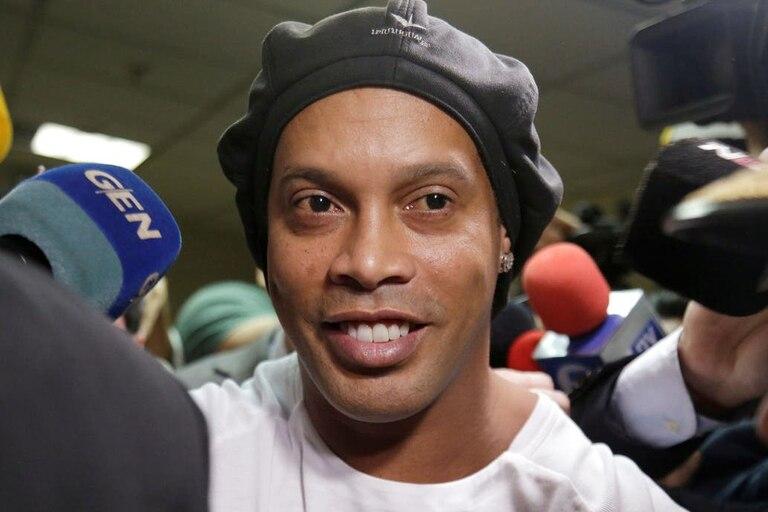 Murió la madre de Ronaldinho y el ex astro brasileño la homenajeó en sus redes
