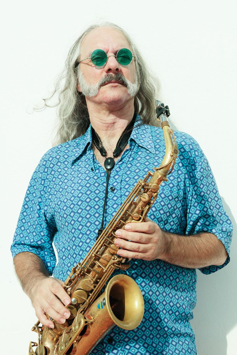 El saxofonista y productor lanzará con su propio grupo –denominado El Gonzo–, un disco de jazz demorado por la pandemia.