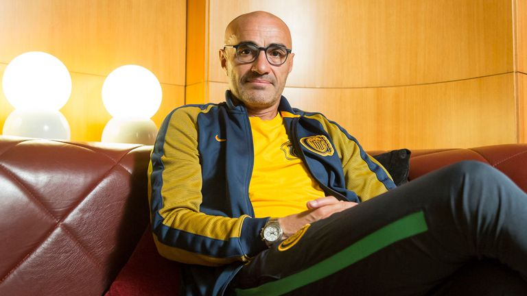 """""""A mí me gustan los futbolistas rebeldes, que discuten y confrontan con el técnico"""", reclama el DT de Central Paolo Montero"""
