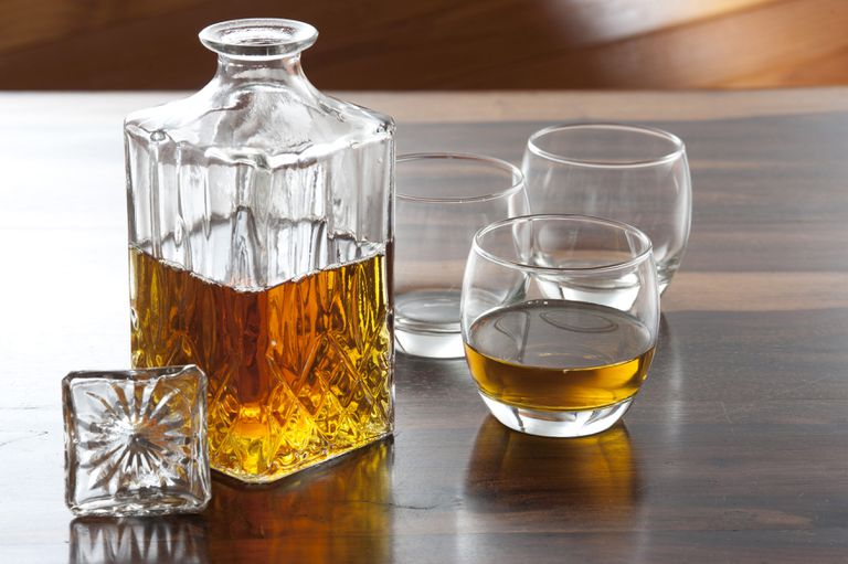 Reciclar: cómo reutilizar las antiguas licoreras