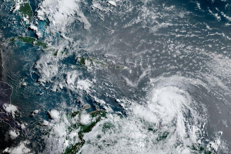 La tormenta Elsa se convirtió en huracán: amenaza a varias islas y podría golpear a Florida