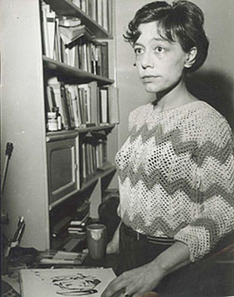 Pizarnik escribió libros de poesía, críticas literarias y obras teatrales; también diarios y cartas, que fueron publicados luego de su muerte