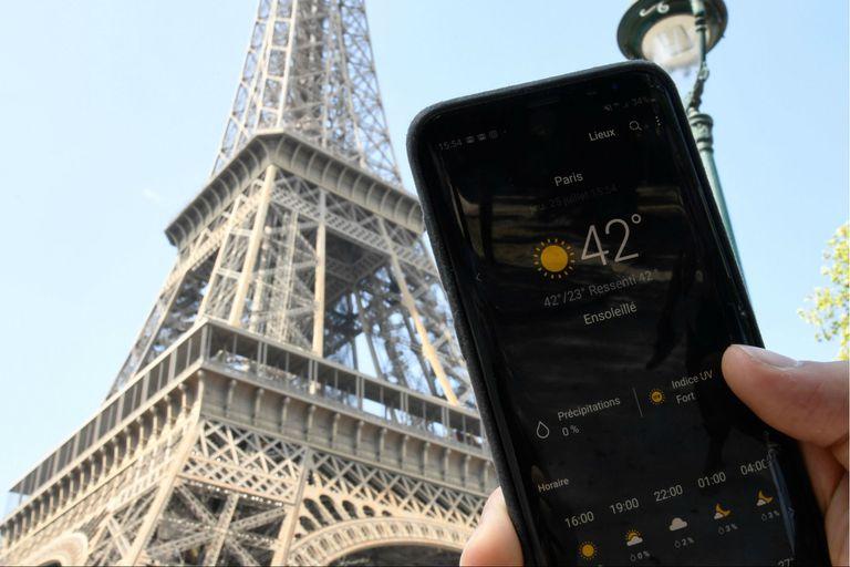 En París se registró un récord de calor, con 42°C