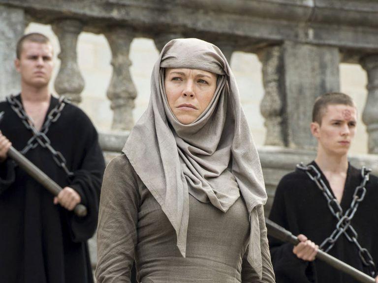 Hannah Waddingham, como la septa Unella en Game of Thrones