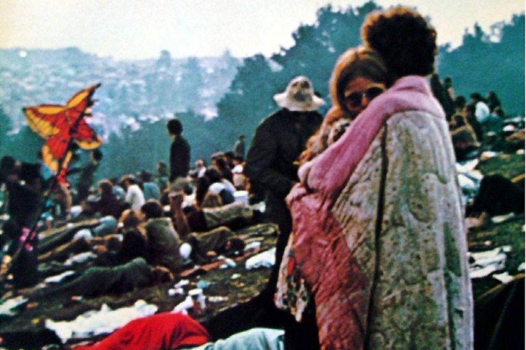 Bobby Kelly y Nico Ercoline quedaron retratados por el fotógrafo Burk Uzzle en la segunda jornada de Woodstock