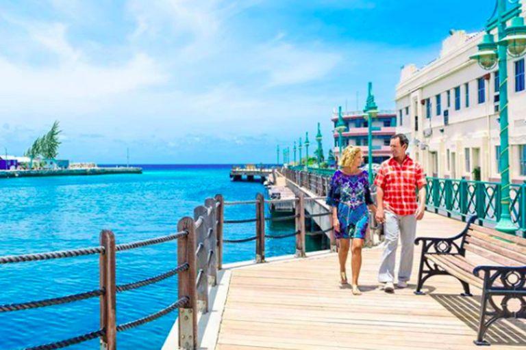 Una paradisíaca isla caribeña ofrece incentivos para trabajar desde su playa