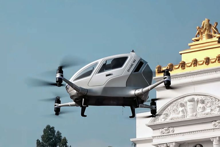 El Ehang 184 hizo su primera presentación al público con los ejecutivos de la compañía durante la demostración del prototipo de transporte autónomo aéreo