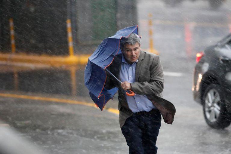 Alerta: granizó en varias ciudades y se esperan tormentas fuertes en Bs.As.