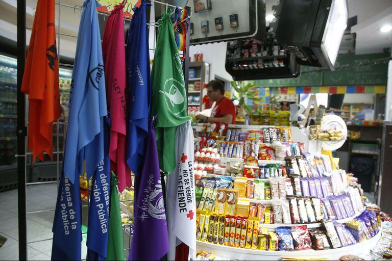 "Según datos de UKRA, desde febrero de 2018 se abrieron 15.000 ""kioscos-ventana"""