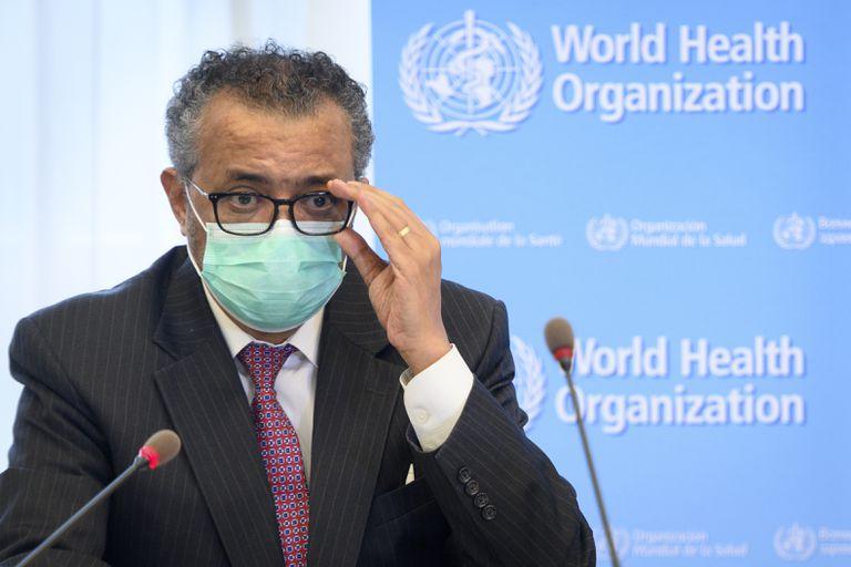 En esta imagen del 24 de mayo de 2021, Tedros Adhanom Ghebreyesus, director de la Organización Mundial de la Salud en una conferencia de prensa en Ginebra. (Laurent Gillieron/Keystone via AP, Archivo)