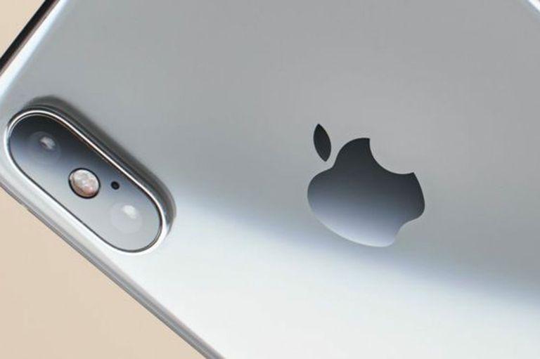 Apple ha lanzado en el pasado actualizaciones de software que hacen más lentos sus modelos de iPhone anteriores