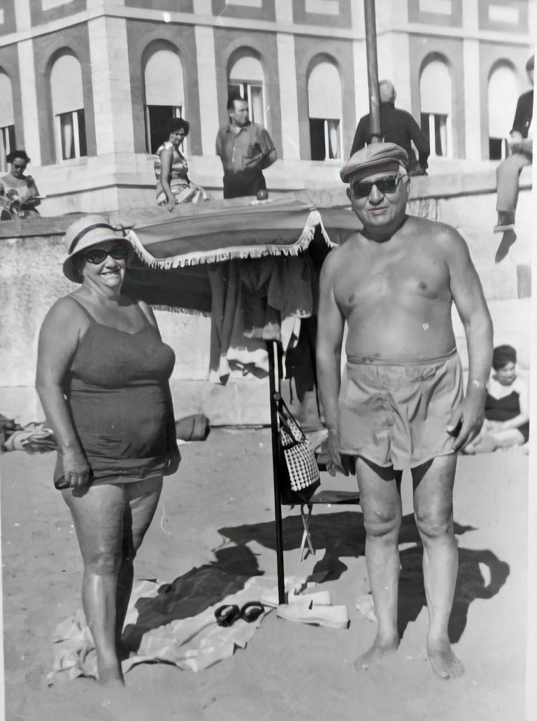 José Prunes y Rogelia Iglesias en Mar del Plata, luego de que vendieran la casa de Las Cañitas y el negocio postre alfajor.