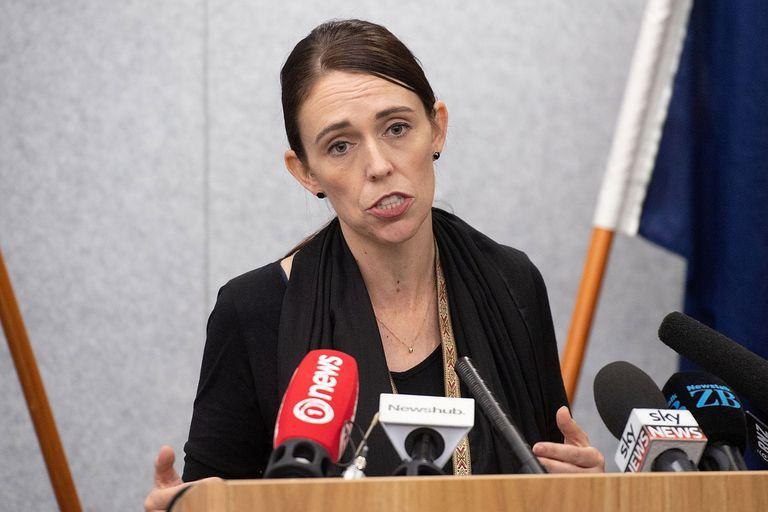 Para la primera ministra neozelandesa, Jacinda Ardern, el gobierno debe reformar la legislación de posesión de armas de fuego del país