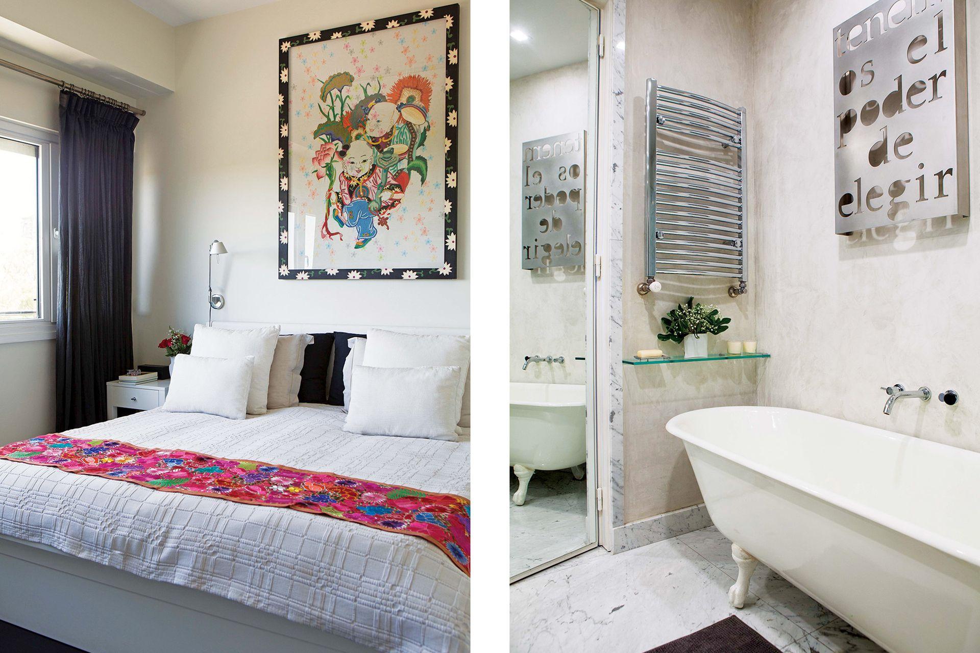 El baño principal es una caja de mármol de Carrara, que se combinó con un revestimiento de estuco para una contrastante textura aterciopelada. Obra de aluminio (inmune a la humedad) 'Tenemos el poder de elegir', de Marie Orensanz.