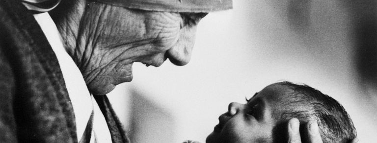 """Madre Teresa: """"Ayudar hace bien al corazón"""""""