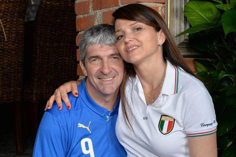 Paolo Rossi junto con su mujer Federica Cappelletti