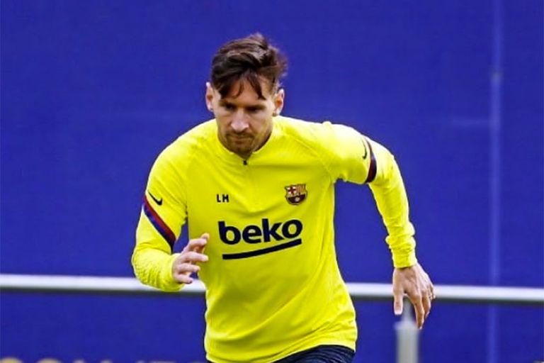 Messi en el entrenamiento de este viernes, en el campo deportivo de Barcelona. El capitán vive días complicados en el club