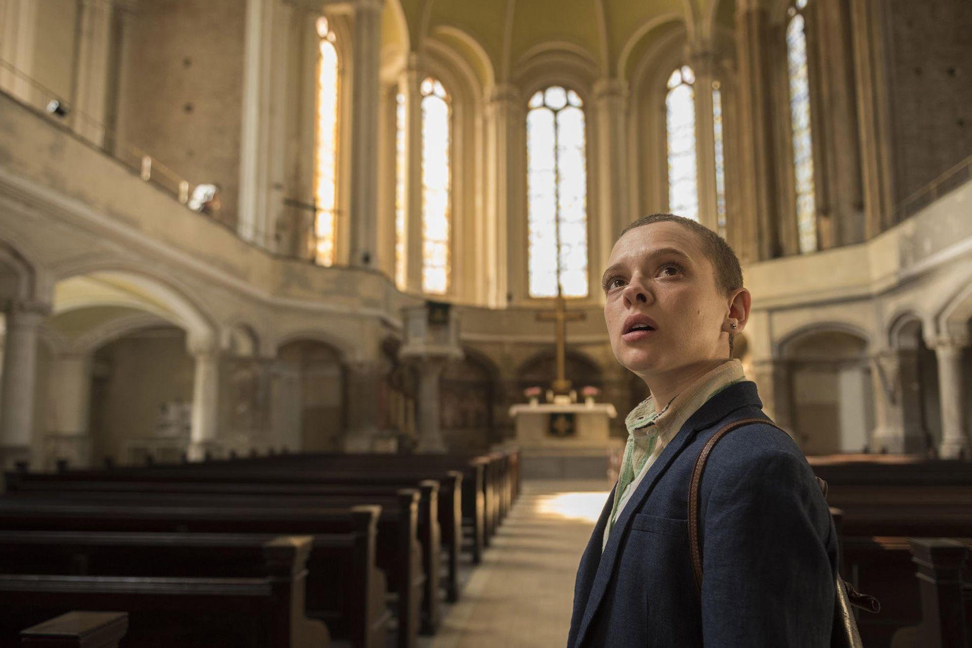 En Poco ortodoxa, Shira Haas conmovió en el papel de una joven que decide liberarse de los mandatos religiosos
