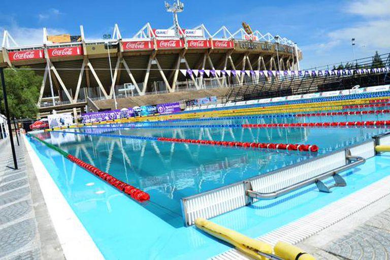 La nueva piscina olímpica frente al estadio Mario Kempes