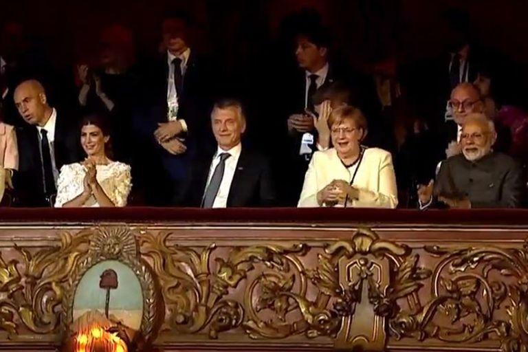 El palco presidencial del Primer Coliseo: Juliana Awada, Mauricio Macri, Angela Merkel y Narendra Modi