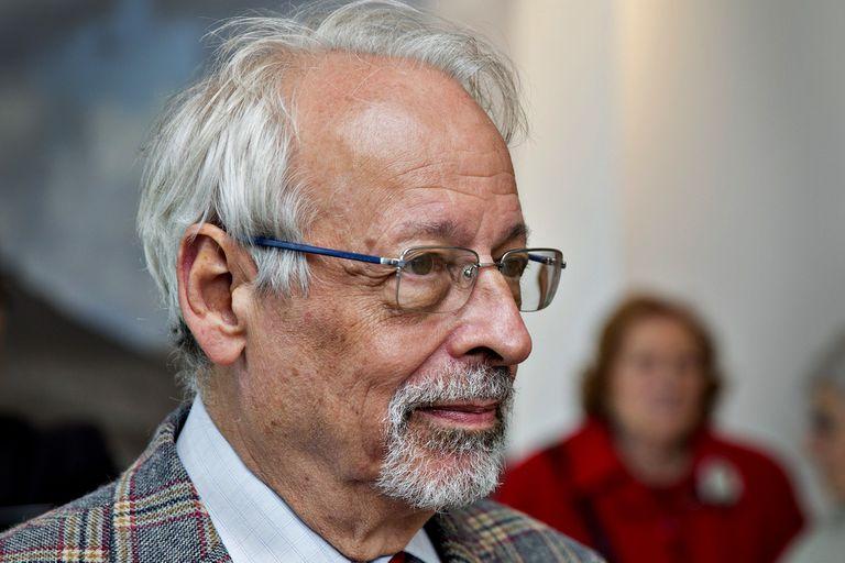 """Horacio Verbitsky recibió la vacuna en el Ministerio de Salud; lo anotaron como """"personal estratégico"""""""