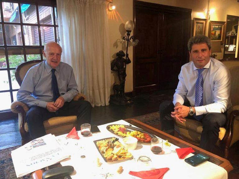 Roberto y Marco Lavagna alimentan el álbum electoral del peronismo
