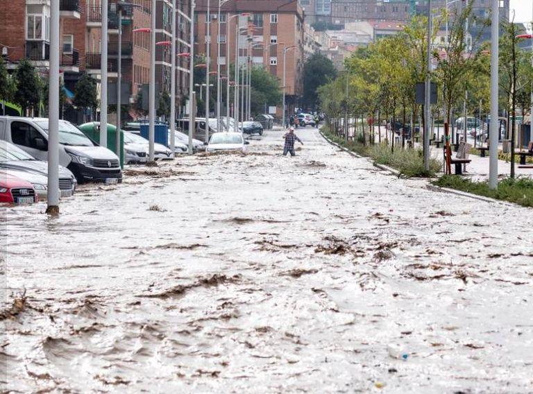 El fenómeno que hunde la tierra y causa impactantes inundaciones en España