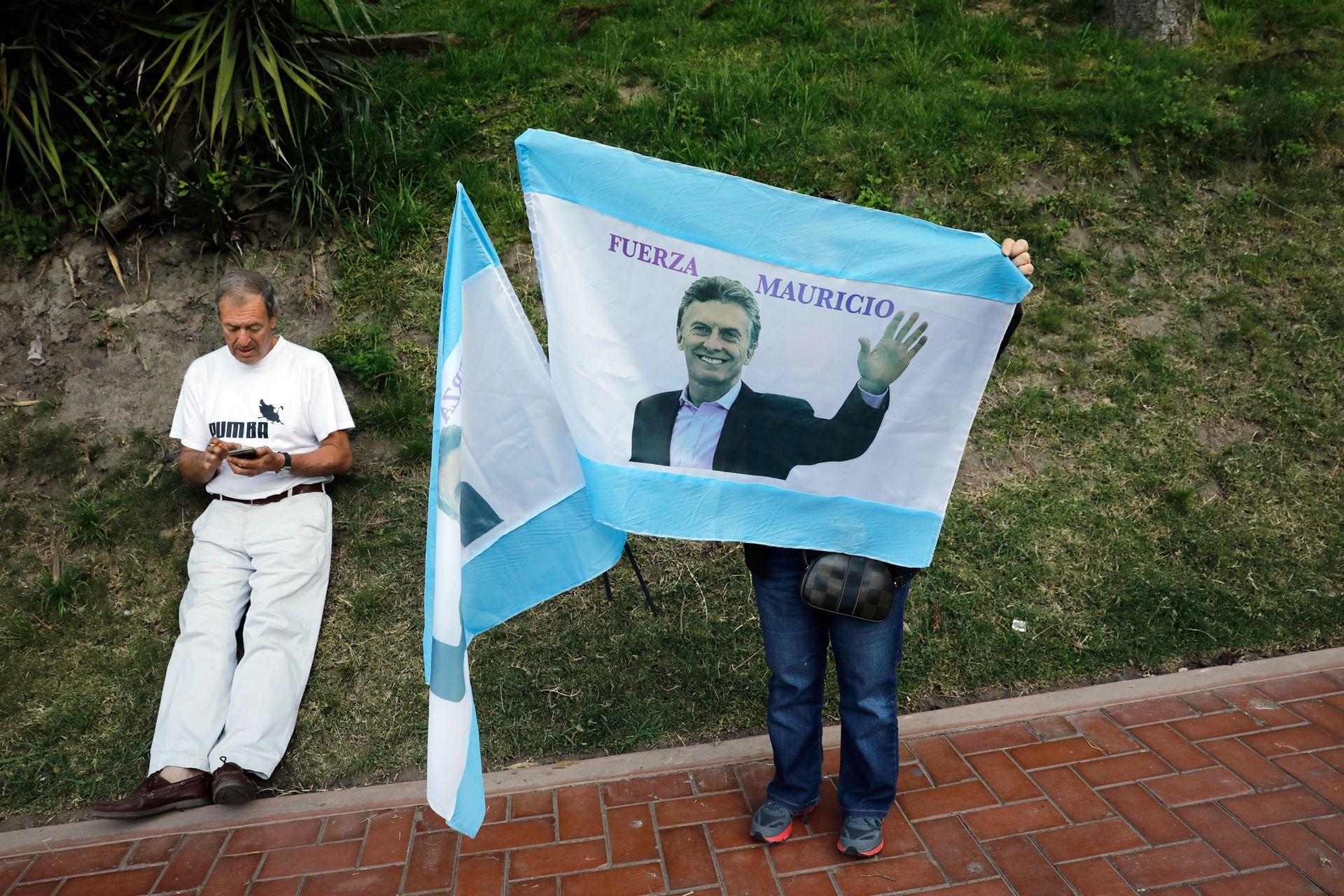 Banderas en apoyo a Mauricio Macri
