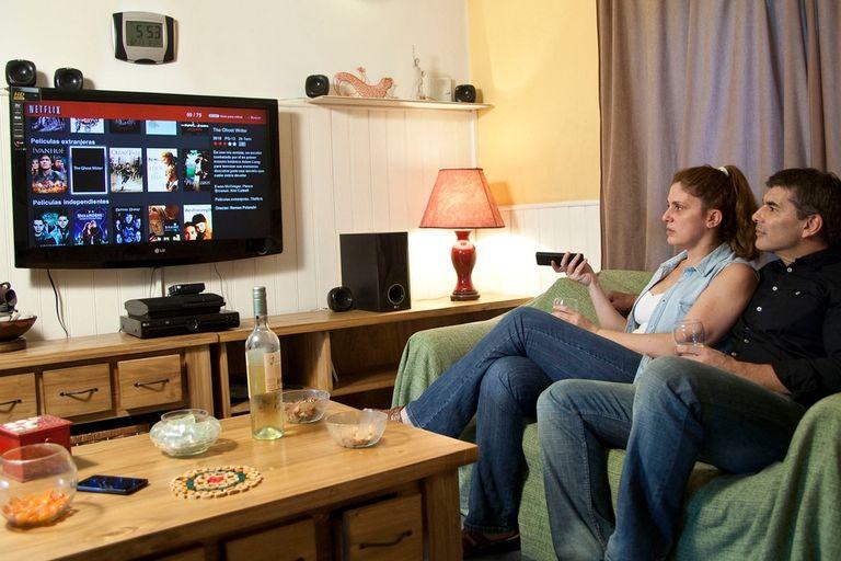 Netflix es uno de los varios servicios disponibles en la Argentina para ver en una TV videos descargados por Internet