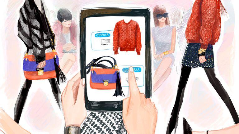 Comprar moda mientras se muestra en pasarela, una tendencia creciente