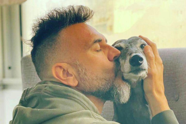Leo Montero es un gran defensor de la adopción de mascotas. En su nuevo programa volverá la sección Pocas pulgas, uno de los puntales de Mejor de noche.