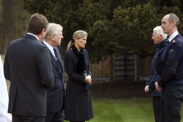 Los príncipes Eduardo y Andrés, hijos de Isabel II y Felipe de Edimburgo, recordaron a su padre a dos días de su muerte. (Foto: Twitter/ @RoyalFamily)