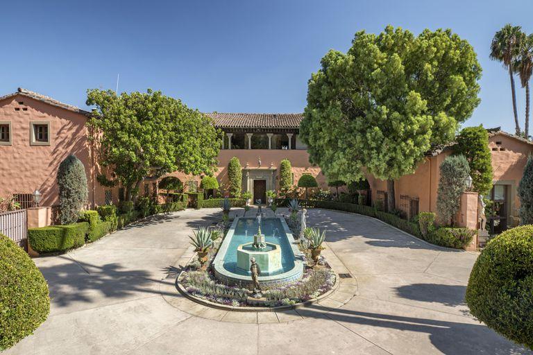 En venta por US$90 millones: cómo es la mansión donde se filmó El Padrino