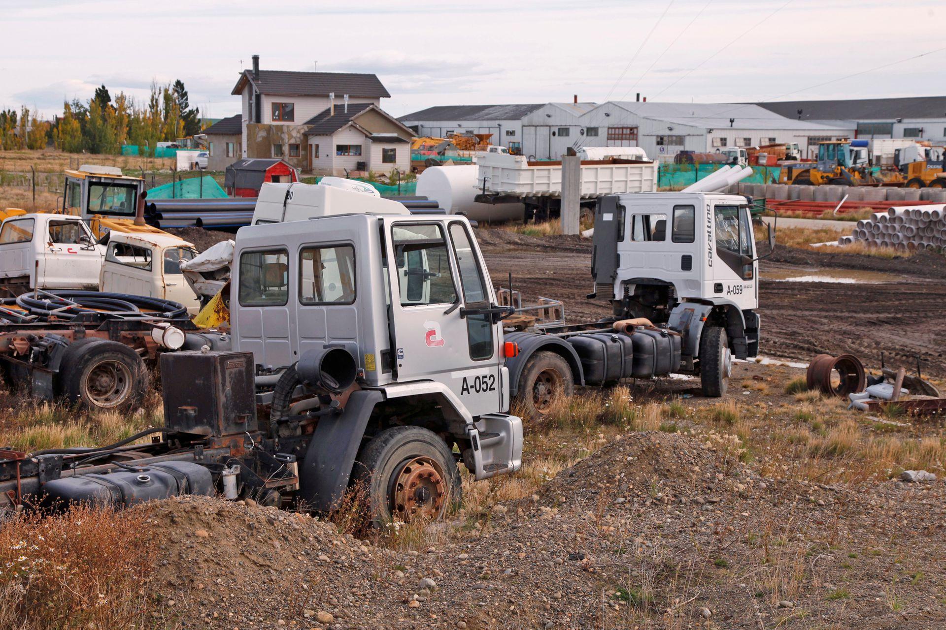 Muchos de los camiones son casi nuevos y se deterioran con el paso del tiempo