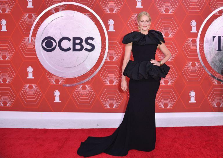 La actriz estadounidense Laura Linney escogió para la ocasión un elegante diseño de Christian Siriano