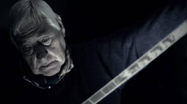 Oscar Mosteirín fue el primer fotógrafo en llegar al lugar y retrató el rescate de Kovensky. Falleció hace tres años.
