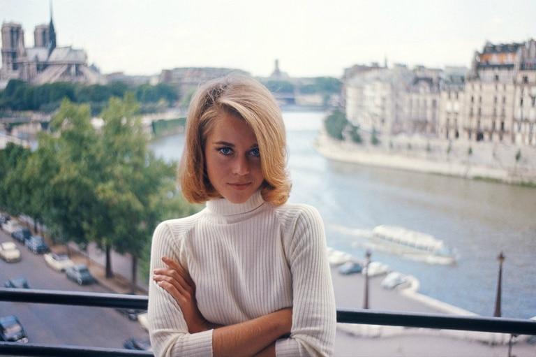 Jane Fonda deja Hollywood para irse a Francia.