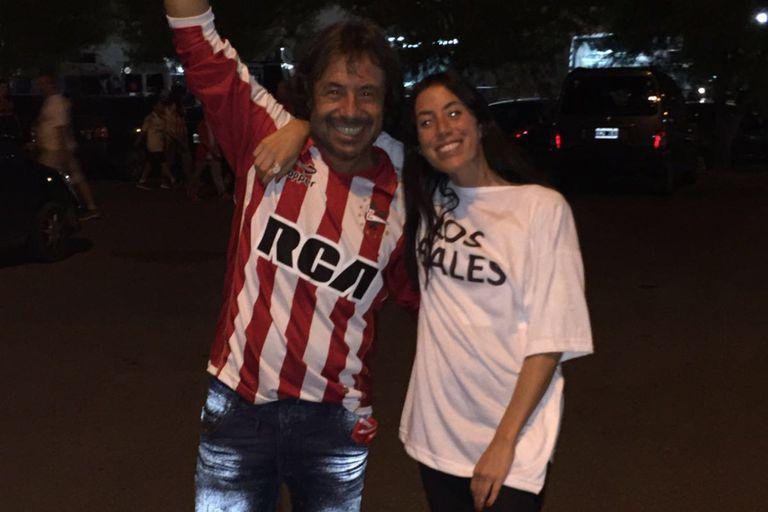 Sofía Sarkany era fanática de Estudiantes como su papá. Crédito: Twitter