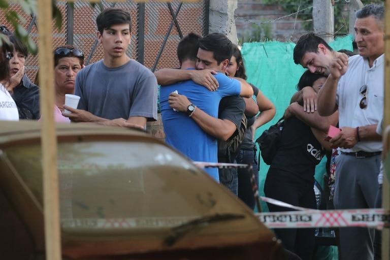 Cientos de familiares, amigos y vecinos acudieron a despedir a un hijo ilustre de Marcos Paz: Braian Toledo.